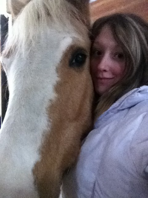 Ma fille qui apprend son cour de cavalier