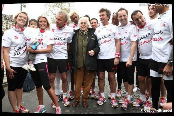 Sylvie court les Kilomètres du Coeur du Marathon de Paris (15/04/12)