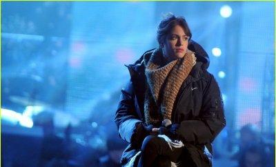 BONNE ANNÉE ! - RÉPÉTITIONS DE « L'ANNO CHE VERRÀ » - TINI À LA RAI 1 -TWITCAM   MARTINA STOESSEL (28/12/13)