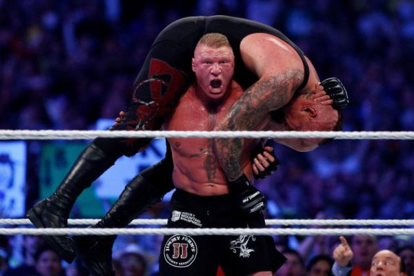Brock Lesnar perd lentement son lustre dans le WWE World Heavyweight Champion