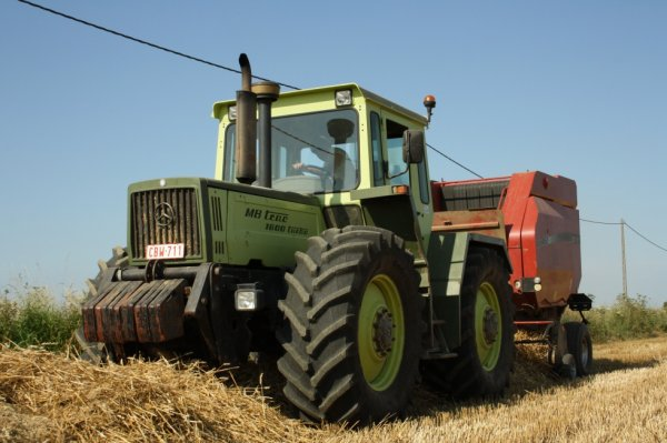 MB-Trac 1600 Turbo avec Case RBX 462