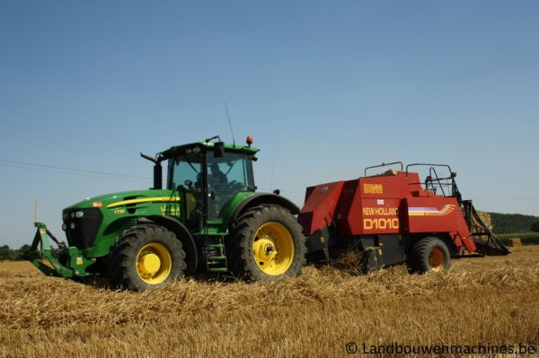 John Deere 7730 et New Holland D 1010
