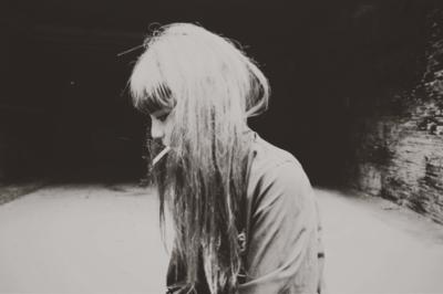 • Je suis partie sans me retourner, en ne me doutant pas une seconde que c'était un adieu au lieu d'un aurevoir.