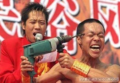 HOMME VS PERCEUSE.....A VOTRE AVIS, QUI VA GAGNER?? %)