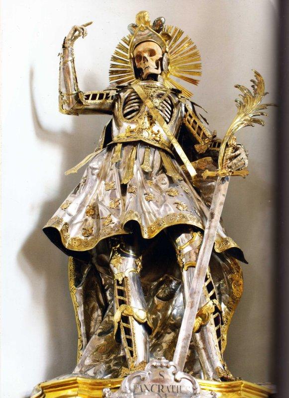 Dans le Cabinet des Curiosités de Lenore: Le Squelette de Saint Pancrace