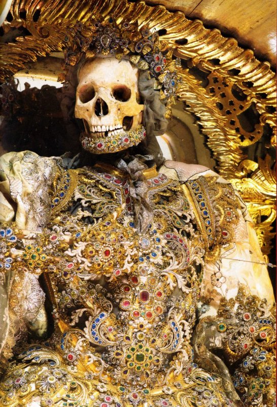"""Dans le Cabinet des Curiosités de Lenore:""""Les Squelettes Décorés de l'Abbaye de Waldsassen"""""""