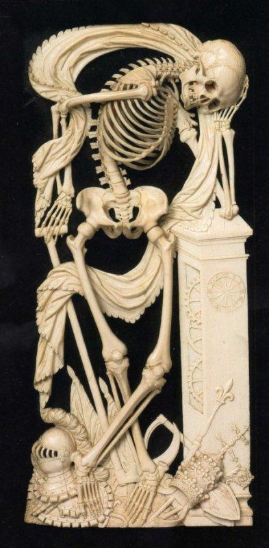 """Dans le Cabinet des Curiosités de Lenore:""""LA MORT EN IVOIRE"""""""