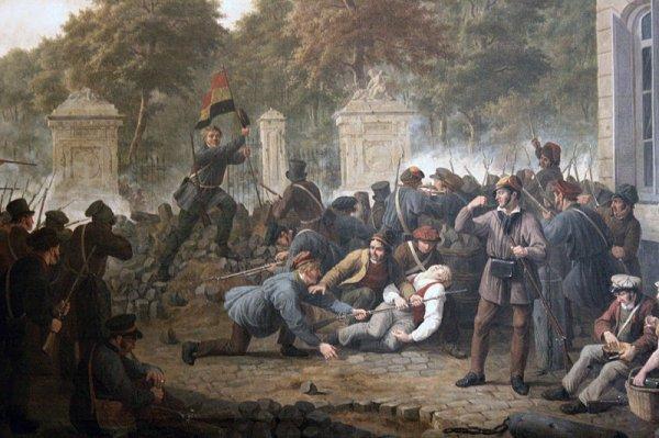 French revolutionaries storm Bastille