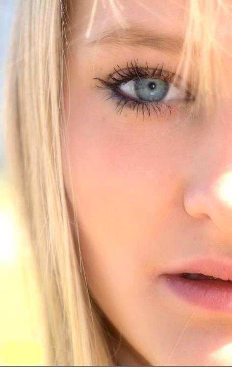 Regarde bien mes yeux :)