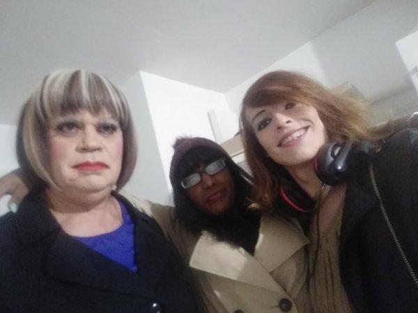 Avant sortie avec des amies (je suis sur la droite)