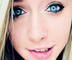 mes yeux *_* :* :)))