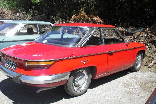 229   voitures de collection : Panhard