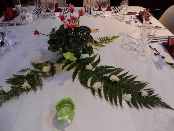298    Table de fête....