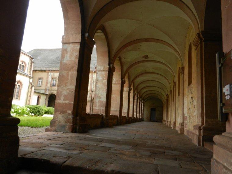 455  La route des abbayes....en trois articles!