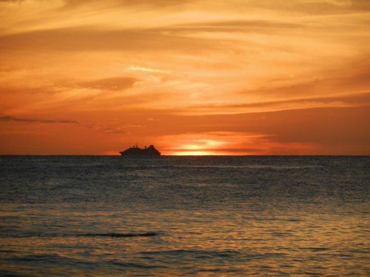 573   La Martinique: coucher de soleil