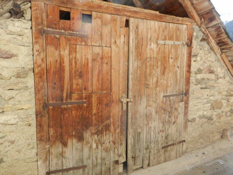 592  Luchon : portes