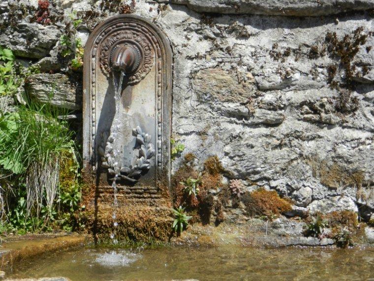 593  Luchon: le village de Bourg d'Oueil