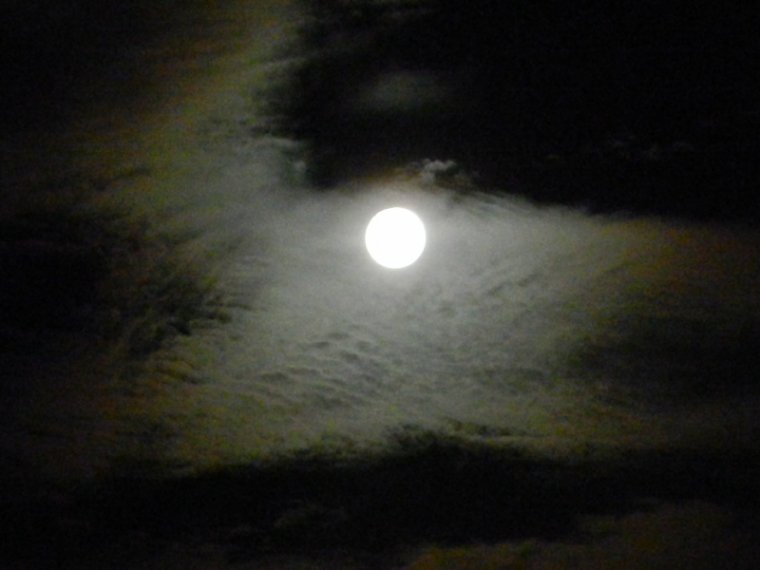 811   Pleine lune....