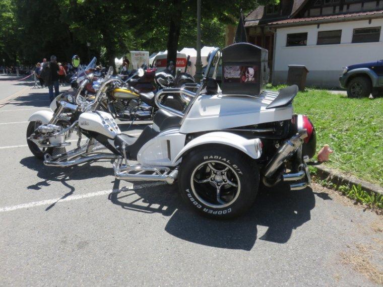 1271  Belles machines...