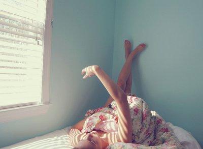 Et je suis là, à attendre désespérement que quelque chose m'arrive, que quelqu'un m'arrive.