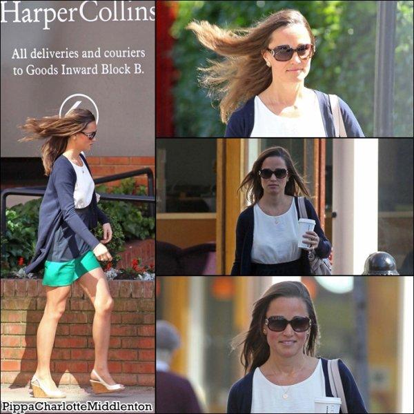 26 Mai 2011: Pippa se promenant dans Londres. ♥