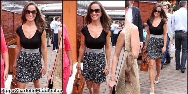"30 Mai 2011: Pippa sortant du restaurant ""Cinq Mars"" à Paris."