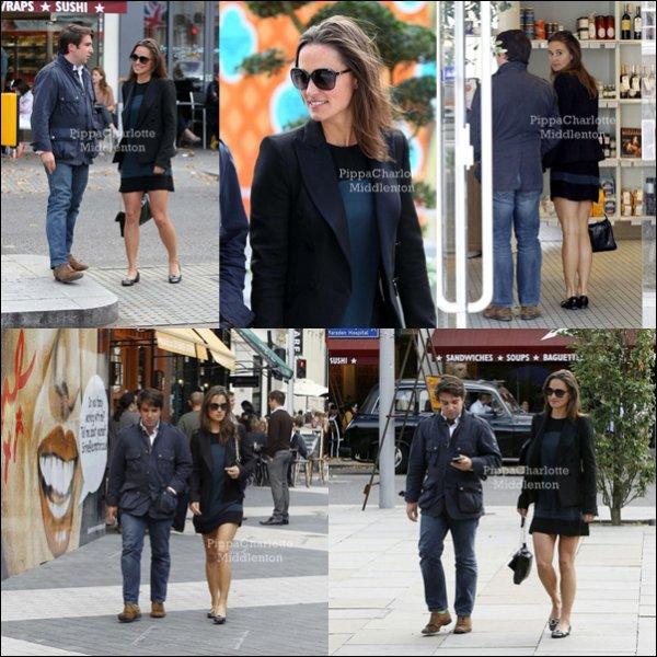 5 Septembre 2011: Pippa est allait déjeuner avec un homme mistérieux à Londres.