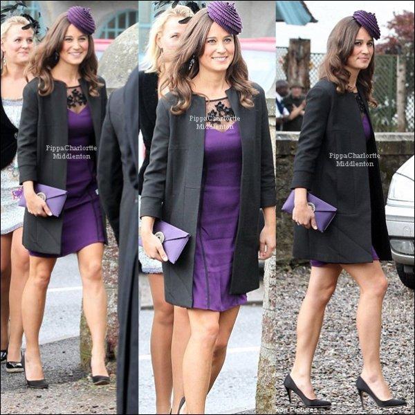 10 Septembre 2011: Pippa arrivant au mariage de ses amis Jake French et Rosie Laing à Perthshire, l'Écosse.