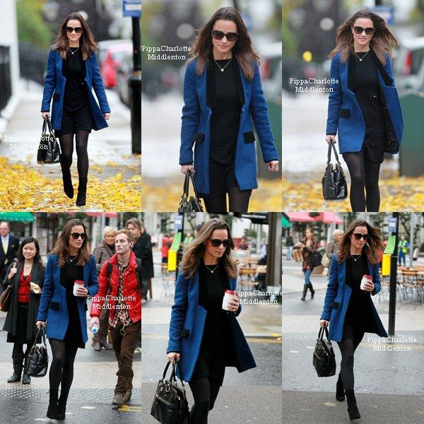 03.11.11: Pippa rentrant chez elle après un rendez-vous dans Chelsea.