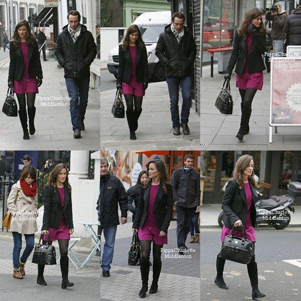 16.11.11: Pippa et James étaient ce matin dans les rues de Londres.