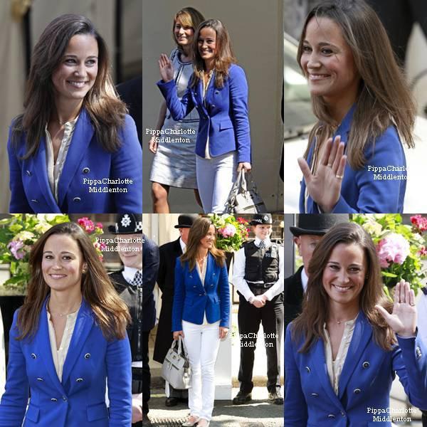 """30.04.11: Pippa et sa famille quittant l'hôtel """"Goring"""" après les noces de sa soeur et du prince William."""