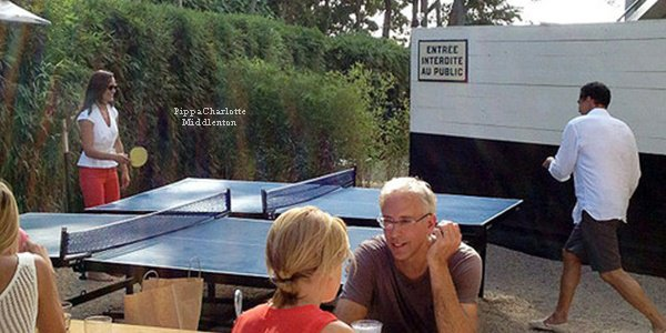 02.09.12: Pippa est en ce moment à New York avec des amis à Sunset Beach.