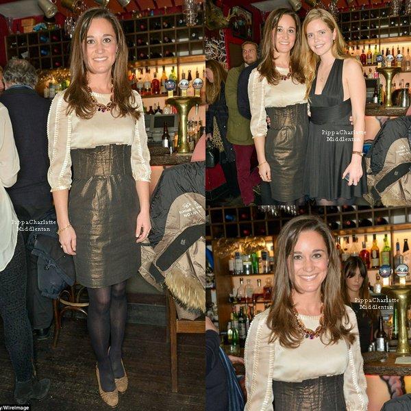 """26.11.12: Hier Pippa s'est rendu à une soirée organiser pour les bijoux """"W&W"""" à Londres."""
