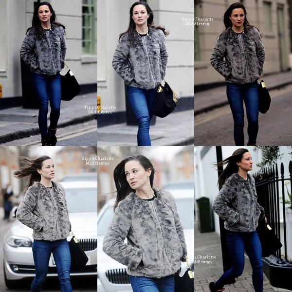 26.01.13: Cet aprés-midi Pippa a été aperçue dans les rues de Londres