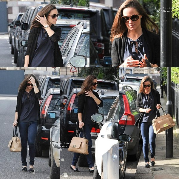 15.04.13: De retour à Londres Pippa a été aperçue se balandant dans les rues londoniennes