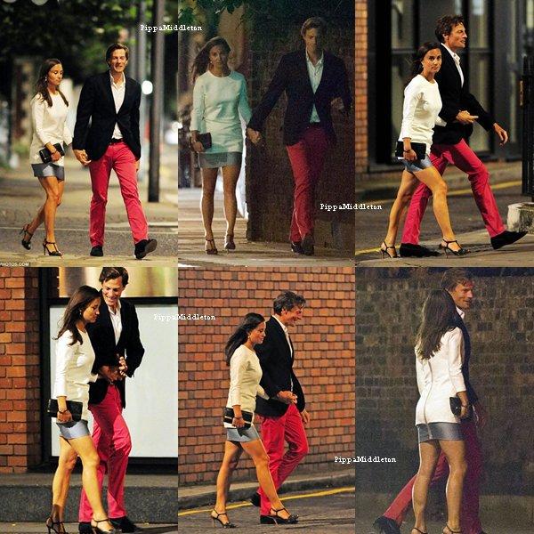 16.08.13: Pippa et Nico traînant dans Chelsea après une soirée en amoureux.