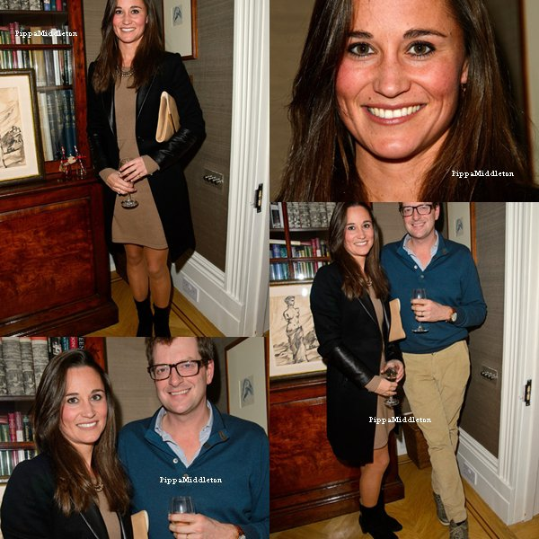 """13.11.13: Pippa s'est rendu au lunch pour son nouveau livre """"The Family Kitchen"""""""