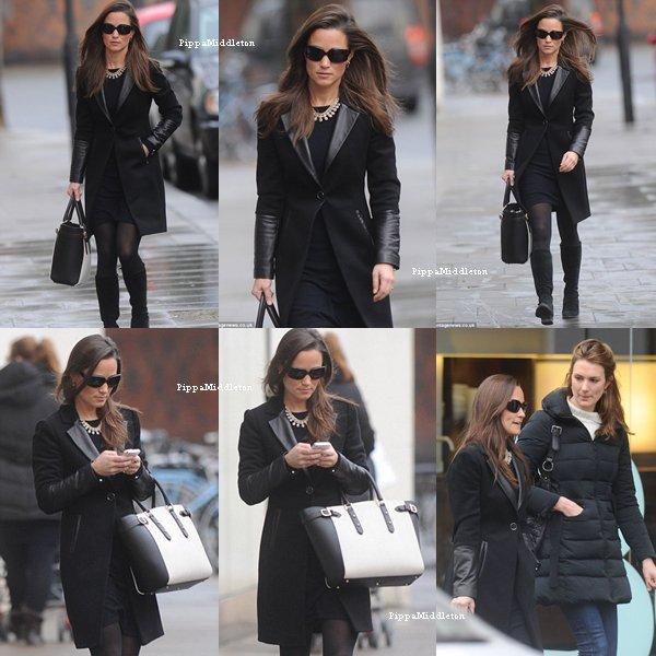 15 Janvier 2014 / Candid / Pippa se rendant dans un restaurant dans le quartier de Chelsea.