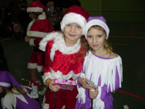 Remise  des cadeaux de Noël