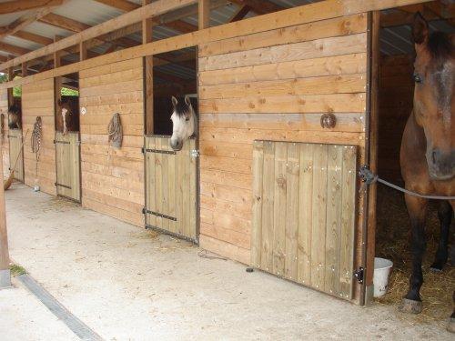 Nouvelles Portes De Box Poneyclubderogny Ecurie Du Rondeau - Porte box chevaux