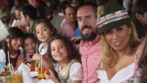 Franck Ribéry envisage de devenir citoyen allemand .