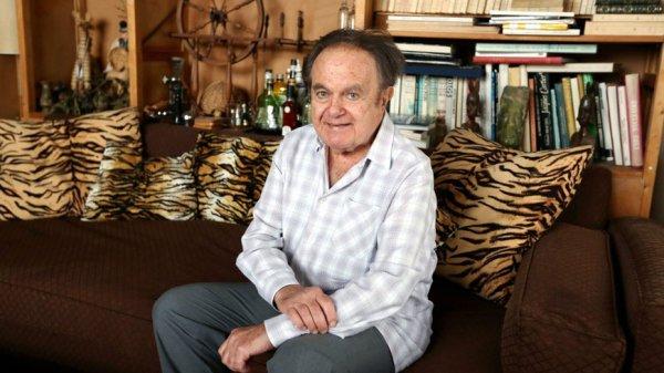 Guy Béart le Chanteur est mort à 85 ans .