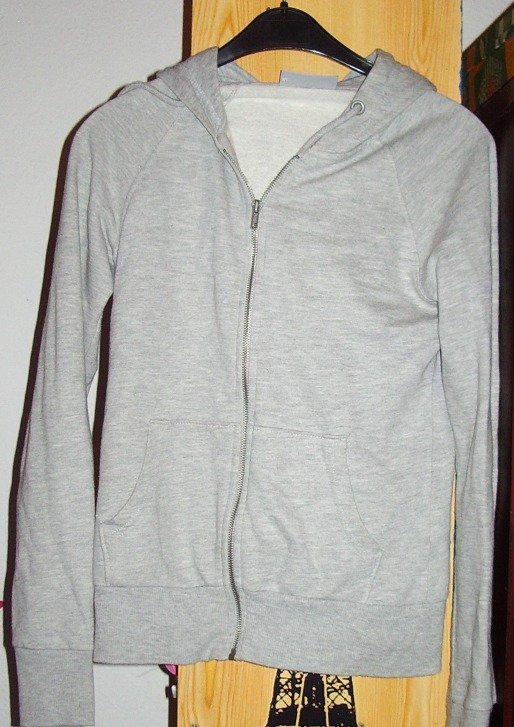gilet gris s : 8euros