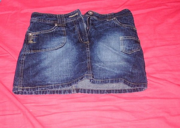 jupe jeans 10ans: 5euros