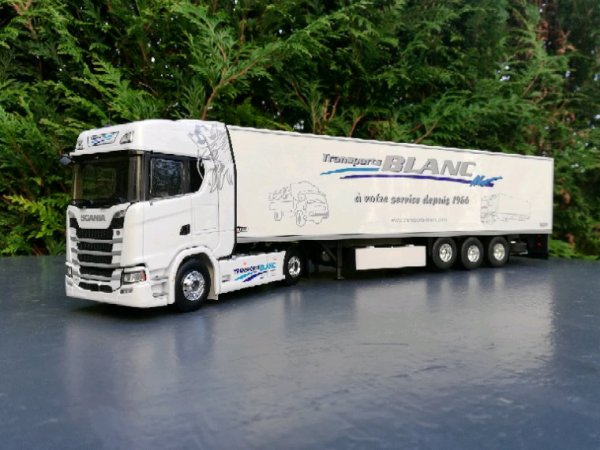 SCANIA S TRANSPORTS BLANC