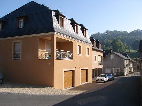 Petite bourgade de St-Cernin de Larche