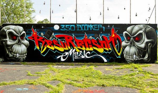Le Fameux Mur ResuRecSon Music - 350 Boomker!!