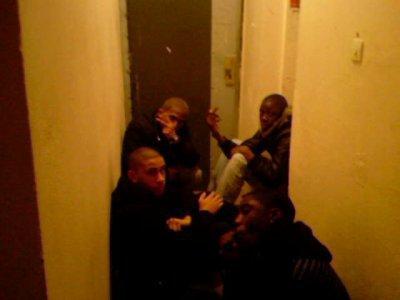 eux dan les couloir chicha !!!!! hala