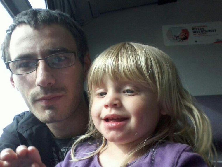 Ma fille precilia et son papa dans le train
