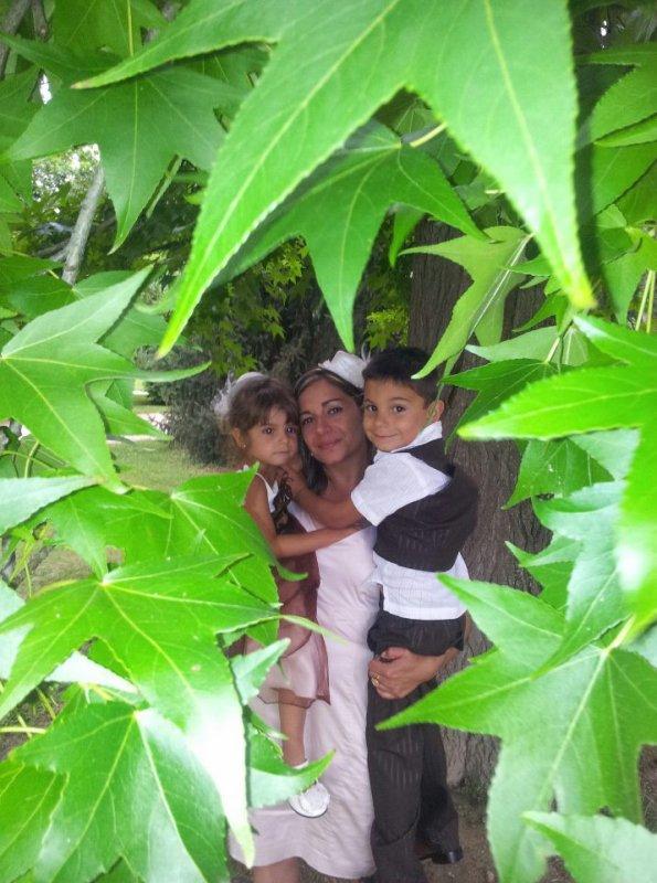 moi et mes petits pour le mariage a ma soeur juillet 2012